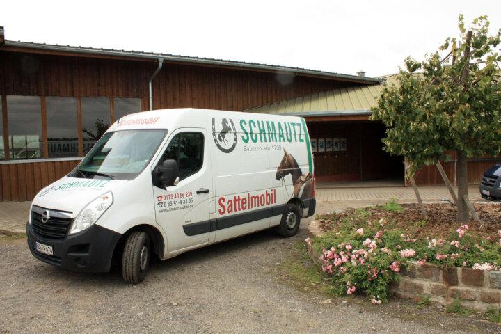 Vor-Ort-Service mit unserem Sattelmobil